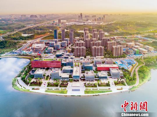 图为天府新区新经济产业园。 钟欣 摄